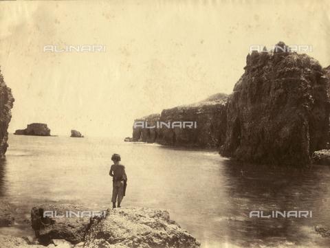 GWA-F-000362-0000 - Reefs of Brucoli, Siracusa - Data dello scatto: 1890 ca. - Archivi Alinari, Firenze