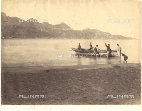 GWA-F-000411-0000 - Fishermen, Giardini Naxos, Messina - Data dello scatto: 1890 ca. - Archivi Alinari, Firenze