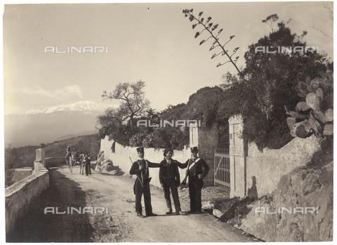 GWA-F-000512-0000 - Gendarmes - Data dello scatto: 1900 ca. - Archivi Alinari, Firenze