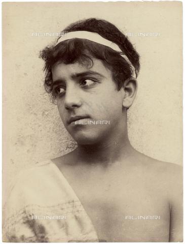 GWA-F-000584-0000 - Portrait of a boy - Data dello scatto: 1890 ca. - Archivi Alinari, Firenze