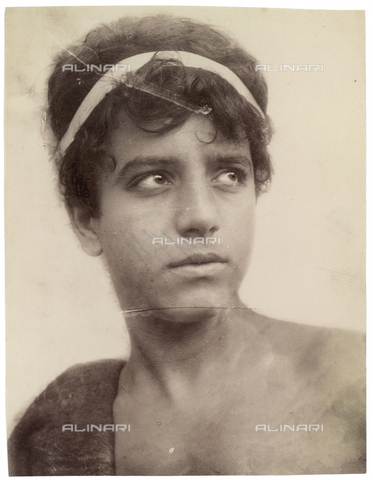 GWA-F-000585-0000 - Portrait of a boy