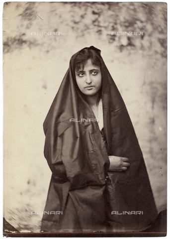GWA-F-000740-0000 - Portrait of a woman - Data dello scatto: 1900 ca. - Archivi Alinari, Firenze
