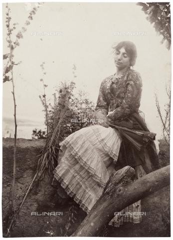 GWA-F-000753-0000 - Portrait of a woman - Data dello scatto: 1890 ca. - Archivi Alinari, Firenze