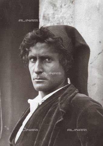 GWA-F-000799-0000 - Young Sicilian - Data dello scatto: 1904 - Archivi Alinari, Firenze