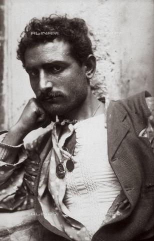 GWA-F-000871-0000 - Typical Sicilian - Data dello scatto: 1890 ca. - Archivi Alinari, Firenze