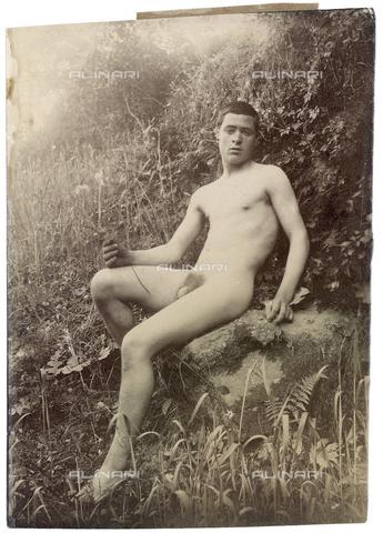 GWA-F-000910-0000 - Male nude - Data dello scatto: 1895 ca. - Archivi Alinari, Firenze