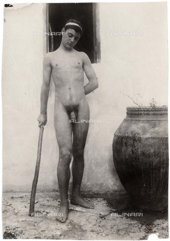 GWA-F-000912-0000 - Male nude - Data dello scatto: 1910 ca. - Archivi Alinari, Firenze