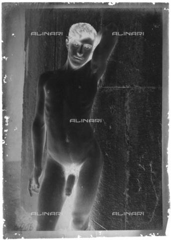 GWA-F-000918-0000 - Male nude - Data dello scatto: 1900 ca. - Archivi Alinari, Firenze