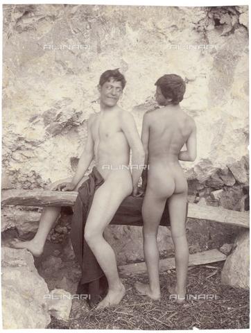 GWA-F-000962-0000 - Two nude boys - Data dello scatto: 1890 ca. - Archivi Alinari, Firenze