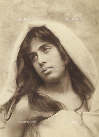 GWA-F-000965-0000 - Young boy with a veil - Data dello scatto: 1900 ca. - Archivi Alinari, Firenze