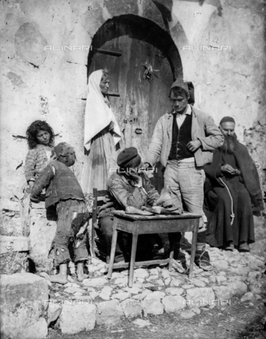 GWN-F-003023-0000 - Family of Sicilian commoners