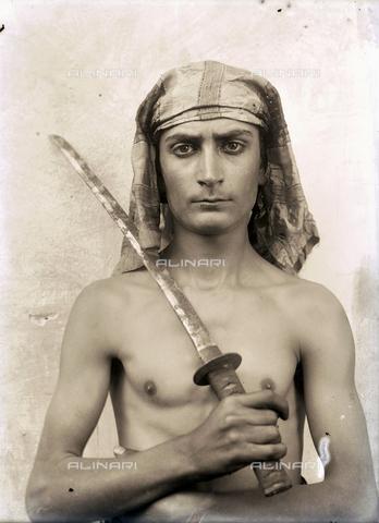GWN-F-003085-0000 - Young Arab - Data dello scatto: 1890 ca. - Archivi Alinari, Firenze