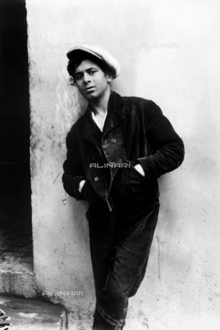 GWN-F-003103-0000 - Portrait of a Sicilian youth - Data dello scatto: 1895 - 1905 - Archivi Alinari, Firenze