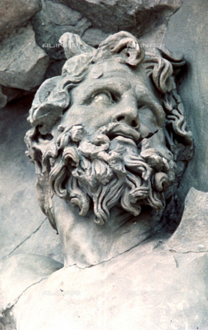 HIP-S-000134-3537 - Giant's head, detail of the Altar of Pergamon, Pergamonmuseum, Berlin - Art Media / Heritage Images /Alinari Archives, Florence