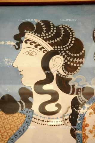 HIP-S-000233-0092 - Detail of one of the 'Blue Ladies', fresco, Minoan, Crete, c1500 BC - Heritage Images /Alinari Archives, Florence, Werner Forman Archive/ N J Saunders