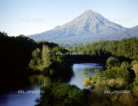 HIP-S-000233-0314 - Mount Egmont from Lake Wangamahoe, North Island, New Zealand. Normally covered in clouds, the volcano is the subject of Maori myths that tell of its love for the female volcano Ruapehu - Werner Forman Archive / Heritage Images /Alinari Archives, Florence