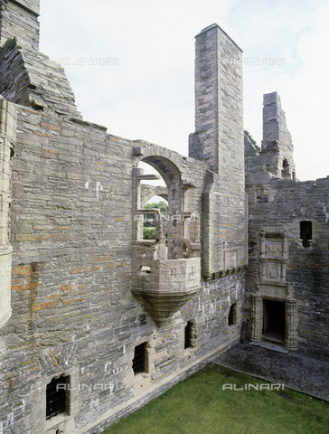 HIP-S-000233-0361 - Ruins of the Earl's Palace, Kirkwall, Orkney, Scotland. The palace was built early in the 17th century by Patrick Stewart, 2nd Earl of Orkney. It fell into ruin in the 18th century - Werner Forman Archive / Heritage Images /Alinari Archives, Florence