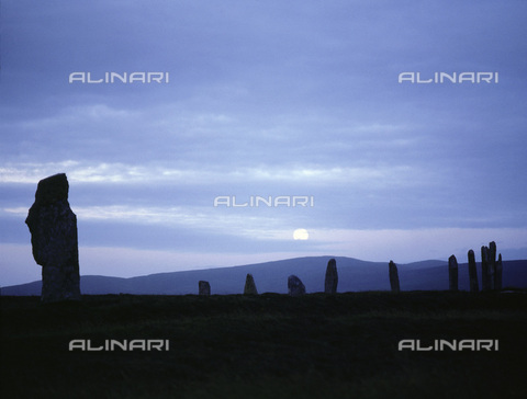 HIP-S-000233-0362 - The Ring of Brodgar at moonrise, Orkney, Scotland. The Ring of Brodgar is a stone circle dating from the late Neolithic period or the early Bronze Age (c2500-2000 BC) - Werner Forman Archive / Heritage Images /Alinari Archives, Florence