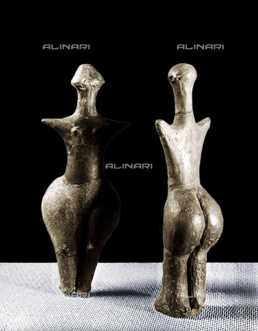 HIP-S-000233-0368 - Neolithic female clay figurines, Strelice, Moravia. From the Moravian Museum, Brno, Czech Republic - Werner Forman Archive / Heritage Images /Alinari Archives, Florence