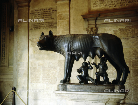 HIP-S-000233-0380 - Bronze statue of the she-wolf of Rome, 5th century BC. The figures of Romulus and Remus were added during the Renaissance. From the Museo Capitolino, Rome - Werner Forman Archive / Heritage Images /Alinari Archives, Florence