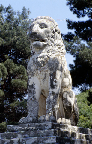 HIP-S-000235-6825 - The Lion of Amphipolis, Macedonia, northern Greece, 2nd century BC. The lion was re-erected in 1936-1937. Lion monuments were commemorative of dead soldiers on the battlefield - Heritage Images /Alinari Archives, Florence, Werner Forman Archive/ N.J.Saunders