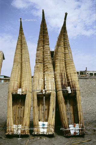 HIP-S-000235-6981 - Caballitos', traditional Peruvian reed boats, Lake Titicaca, Bolivia/Peru, 1995. Three 'caballitos' (little horses), an ancient Peruvian type of boat made of totora reed. They are still used by the fishermen on the north coast of Peru and are depicted on Mochica pottery - Heritage Images /Alinari Archives, Florence, Werner Forman Archive/ N.J.Saunders