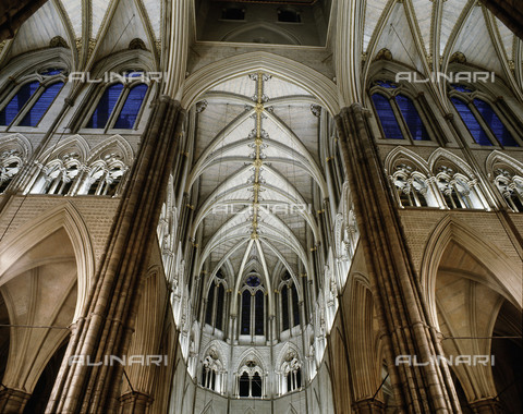 HIP-S-000256-8604 - The richly ornamented Gothic vaulting at the intersection of the north and south transepts.The Abbey was begun by Henry III in 1245 AD in the French Gothic style. Although the nave was not completed until the end of the 16th it conforms to the original designs of the Master Mason Henry de Reyns. Country of Origin: England. Culture: Gothic, from 1245 AD. Place of Origin: London. - Werner Forman Archive / Heritage Images/Archivi Alinari, Firenze