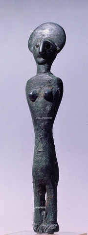 HIP-S-000256-8631 - Bronze female statuette, found in association with a figurine of a horned god. Country of Origin: Britain. Culture: Celtic or pre-Celtic. Place of Origin: Aust-on-Severn, Gloucestershire. Material Size: Bronze. - Werner Forman Archive / Heritage Images/Archivi Alinari, Firenze
