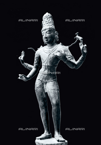 HIP-S-000256-8661 - Chola period statue of Shiva Vinadhara, the master of the arts and the sciences. His two lower hands are in the position for playing the Indian musical instrument vina. Country of Origin: India. Culture: Hindu, Dravindian art,11th - 12th C . Material/Size: bronze, H69cm. Musee Guimet, Paris - Werner Forman Archive / Heritage Images/Archivi Alinari, Firenze