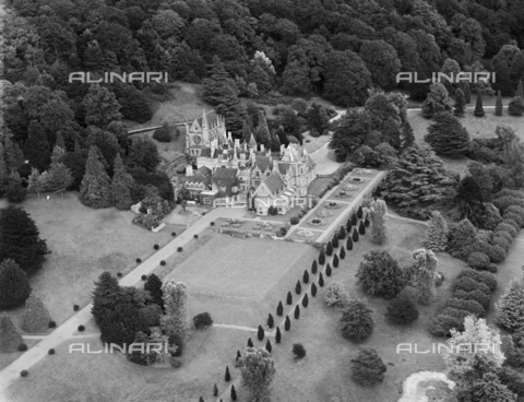 HIP-S-000266-7857 - Tyntesfield House, Wraxall, North Somerset, 1947. A Victorian country house and gardens, now in the care of the National Trust after a major fundraising campaign - Data dello scatto: 1947 - Historic England Archive / Heritage Images /Alinari Archives, Florence