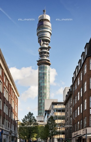 HIP-S-000266-7906 - BT Tower, 60 Cleveland Street, Camden, London, 2011. General view of the building, formerly known as the Post Office Tower, designed by Eric Bedford and built between 1961 and 1964 - Data dello scatto: 2011 - Historic England Archive / Heritage Images /Alinari Archives, Florence