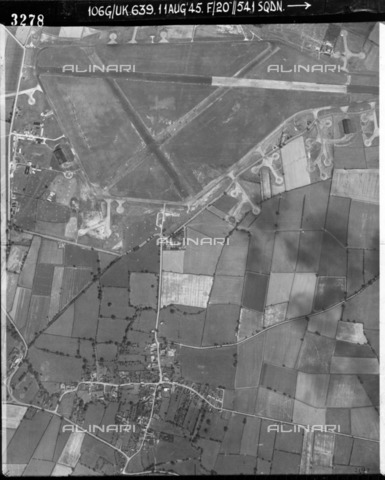 HIP-S-000267-2743 - RAF Castle Donington, Leicestershire, August 1945. Aerial view of the Second World War airfield that later became East Midlands Airport - Historic England Archive / Heritage Images /Alinari Archives, Florence