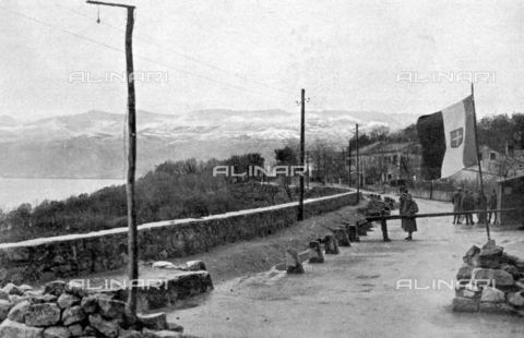 IIB-S-009211-0011 - The barricading of Cantrida, near the borders of territory of Fiume, during the Italian occupation led by Gabriele D'Annunzio - Date of photography: 12/1920 - Library of Fratelli Alinari Museum of the History of Photography, Florence