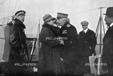 IIB-S-009216-0151 - The Commander, Gabriele D'Annunzio greets the Governor of Dalmatia, Admiral Millo, aboard the cruiser 'Indomito' ('Untamed') - Date of photography: 17/11/1920 - Library of Fratelli Alinari Museum of the History of Photography, Florence