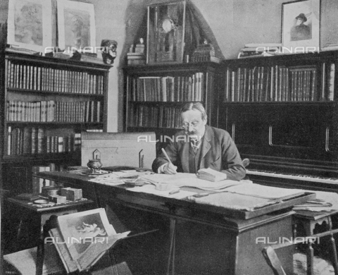 """IIB-S-090119-0331 - The master Arrigo Boito (1842-1918) in his studio, photography by Treves taken from the magazine """"L'Illustration Italian"""" of 12 may 1901, page 331. Boito was the lover of Eleonora Duse - Date of photography: 1901 - Library of Fratelli Alinari Museum of the History of Photography, Florence"""