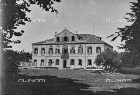 """IIB-S-091846-455A - Villa Giusti in Mandria (Padua) where on 3 November 1918 the armistice between the Austro-Hungarian Empire and Italy was signed, allied with the Triple Intesa (the United Kingdom, France and Russia); the agreement ensured the annexation of Trento and Trieste to the Kingdom of Italy. Photography taken from the magazine """"L' Illustrazione italiana"""" of November 17, 1918, no. 46, page 455A - Date of photography: 03-16/11/1918 - Library of Fratelli Alinari Museum of the History of Photography, Florence"""
