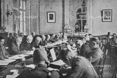 """IIB-S-091846-456A - First World War: Vittorio Emanuele Orlando, Sidney Sonnino, General Robilant, and Admiral Grassi among the politicians at the Versailles Conference, home to negotiations between the allies and central empires at the end of the war. Photography taken from the magazine """"L' Illustrazione italiana"""" of November 17, 1918, no. 46, page 456A - Date of photography: 01-16/11/1918 - Library of Fratelli Alinari Museum of the History of Photography, Florence"""