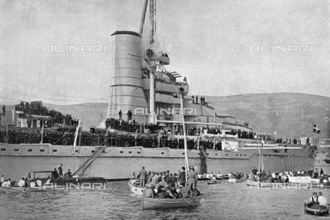 IIB-S-092113-0353 - The Battleship 'Duilio' salutes the city of Trieste during the celebrations for the city's annexation to Italy - Date of photography: 20/03/1918 - Library of Fratelli Alinari Museum of the History of Photography, Florence