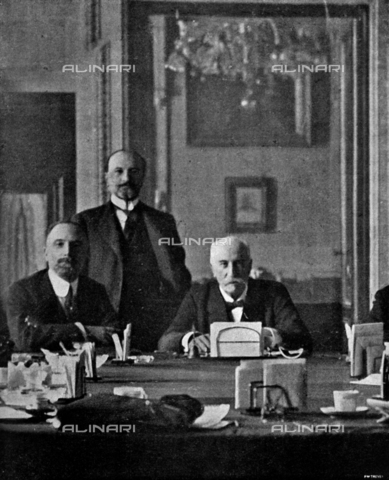 IIB-S-092122-0639 - The President of the Cabinet, Hon. Giovanni Giolotti, at the Viminale, with the Minister of Foreign Affairs, Carlo Sforza and the Under-Secretary to the presidency, Hon. Porzio - Date of photography: 05/1921 - Library of Fratelli Alinari Museum of the History of Photography, Florence