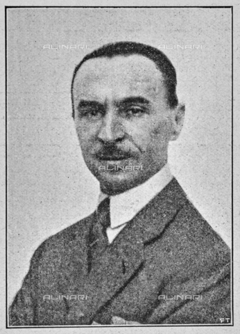 """IIB-S-092226-739C - Dr. Luigi Dami, Inspector of the Superintendency, general secretary of the Italian Painting Exhibition of the seventeenth and eighteenth centuries at Palazzo Pitti. Photograph taken from the magazine """"L 'Illustrazione italiana"""" of 25 June 1922, n. 26, page 739 - Date of photography: 1921-1922 - Library of Fratelli Alinari Museum of the History of Photography, Florence"""