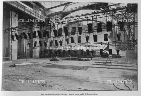 """IIB-S-092250-0683 - The new lighting fixtures on the stage of Teatro alla Scala in Milan, photography by Treves taken from the magazine """"L'Illustration Italian"""" of 10 december 1922, page 683 - Date of photography: 1922 - Library of Fratelli Alinari Museum of the History of Photography, Florence"""