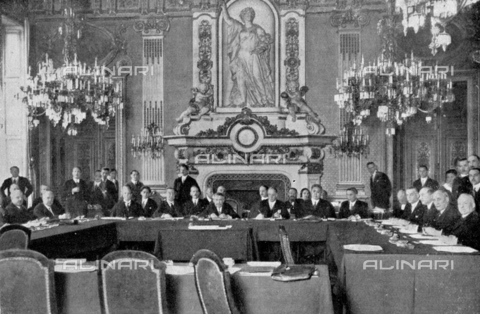 IIB-S-093114-0489 - A room in the Quai d'Orsay during the meeting of the International Committee for the preparation of the first session of the Commission to study the European Union. Aside from President Briand, serveral representatives of other countries participate: Munch for Denmark, Count Manzoni for Italy and Motta for Switzerland - Date of photography: 03/1931 - Library of Fratelli Alinari Museum of the History of Photography, Florence