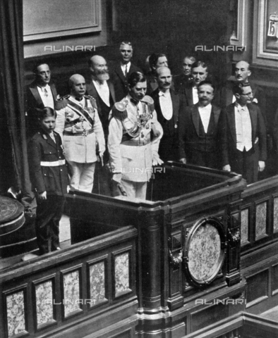 IIB-S-093126-0963 - The Romanian King Charles II and Prince Michael, presiding over Parlament, during the inaguration of a new Legislature. - Date of photography: 15/06/1931 - Library of Fratelli Alinari Museum of the History of Photography, Florence
