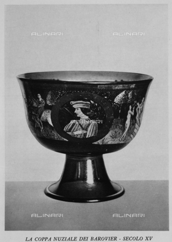 """IIB-S-093250-864A - The museum of glass in Murano: The Barovier wedding cup, photography taken from the magazine """"L'Illustration Italian"""" of 11 december 1932, page 864 - Date of photography: 1932 - Library of Fratelli Alinari Museum of the History of Photography, Florence"""