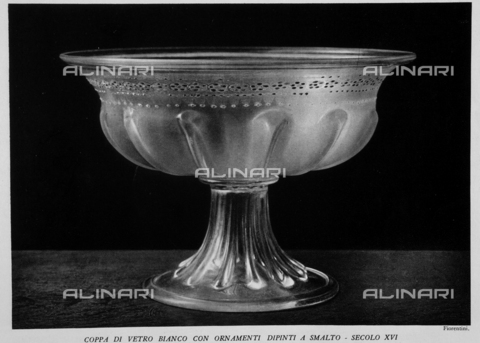 """IIB-S-093250-864D - The Museum of glass in Murano: White Glass cup with enamel painted ornaments, photography by Fiorentini taken from the magazine """"L'Illustration Italian"""" of 11 december 1932, page 864 - Date of photography: 1932 - Library of Fratelli Alinari Museum of the History of Photography, Florence"""