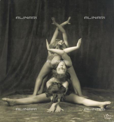 IMA-F-118774-0000 - Ballerini del gruppo di danza di Gertrud Bodenwieser - Data dello scatto: 1925 - Imagno/Archivi Alinari