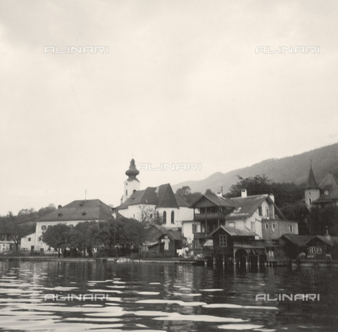 IMA-F-621264-0000 - Unterach on the Attersee Lake, places painted by Gustav Klimt - Data dello scatto: 1965 - Austrian Archives / Imagno/Alinari Archives