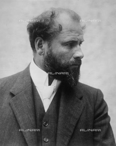 IMA-F-622197-0000 - Portrait of the painter Gustav Klimt (1862-1918) - Data dello scatto: 08/07/1909 - Austrian National Library / Imagno/Alinari Archives