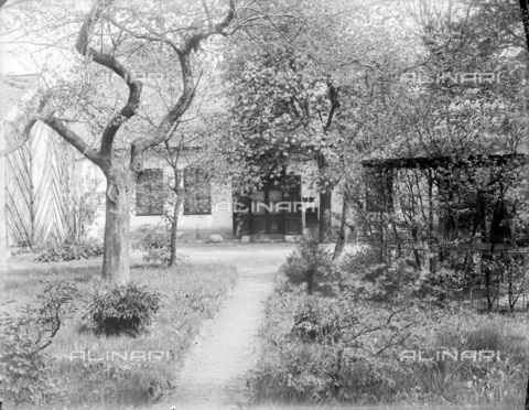 IMA-F-624519-0000 - The garden of the study by Gustav Klimt (1862-1918) in Feldmuehlgasse, Vienna - Data dello scatto: 1910 ca. - ÖNB/Austrian National Library / Imagno/Alinari Archives
