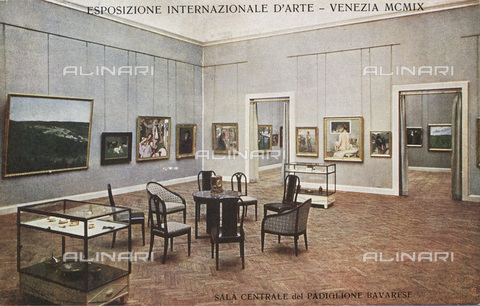 IMA-F-662529-0000 - International Art Biennial of 1909 in Venice: central hall of the Bavarian pavilion. Postcard - Data dello scatto: 1909 - Archiv Dr. Samsinger / Imagno/Alinari Archives